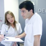男性は、歯科医院の受付や助手をすることはできないの?~悪しきジェンダー・ステレオタイプと性別役割分業~